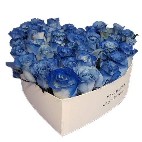 Blue roses bouquet with heart form