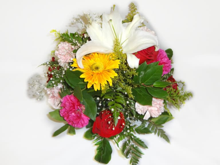 Basquet Bouquet with 6 Roses, 7 Carnations, 2 Lilies.