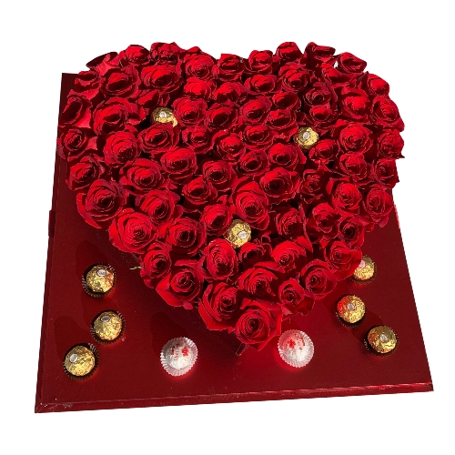 HEART OF 100 ROSES & CHOCOLATES